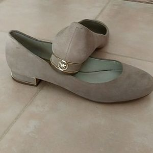 Michael Kors Taupe Slip Ons w/Gold Accents size 9